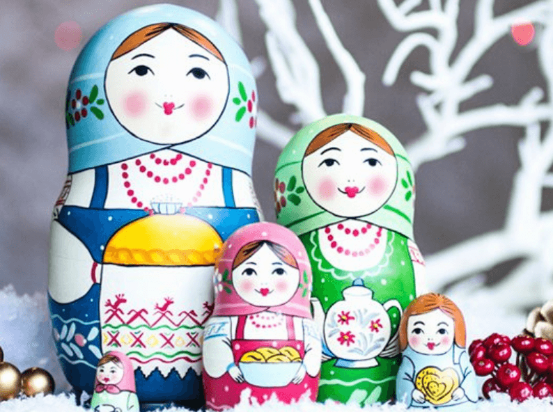 Những con búp bê Nga đầy màu sắc là món quà vô cùng ý nghĩa khi đi du lịch Nga